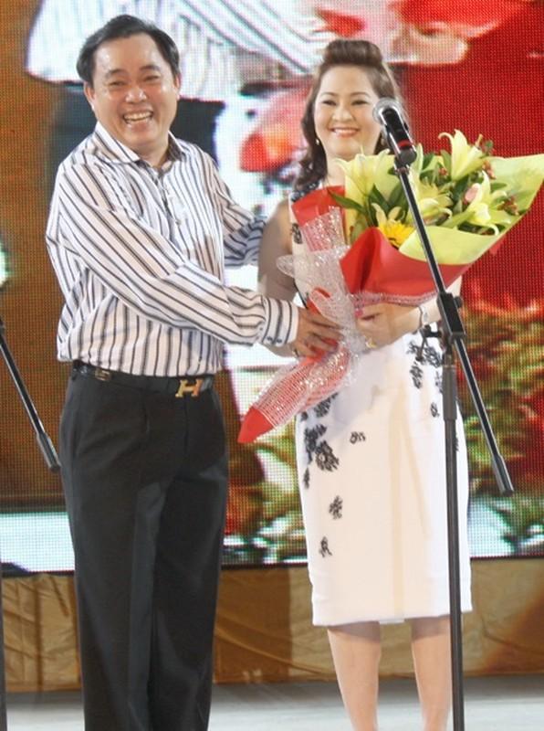 "Biet gi ve quy ba quyen luc thay ong Dung ""lo voi"" nam Dai Nam-Hinh-6"