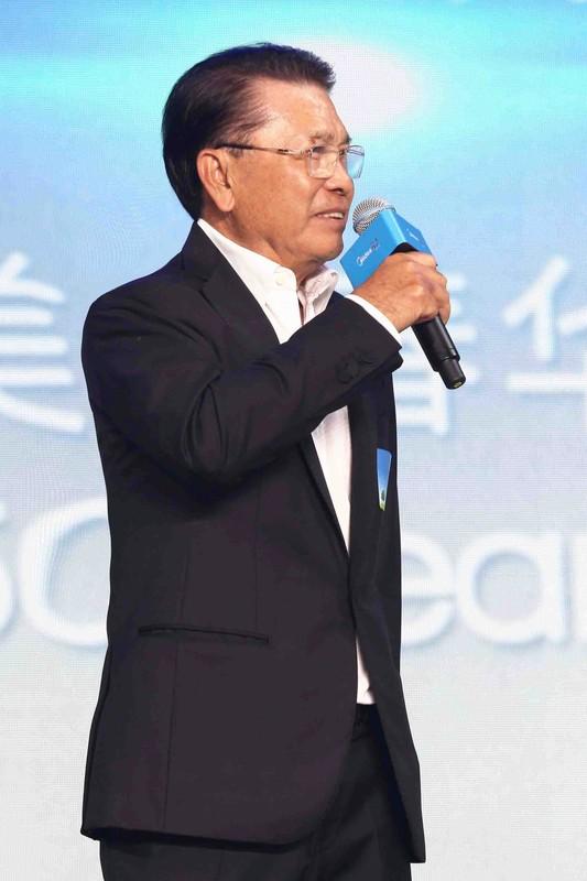 Chan dung ty phu giau bac nhat Trung Quoc bi bat coc-Hinh-7