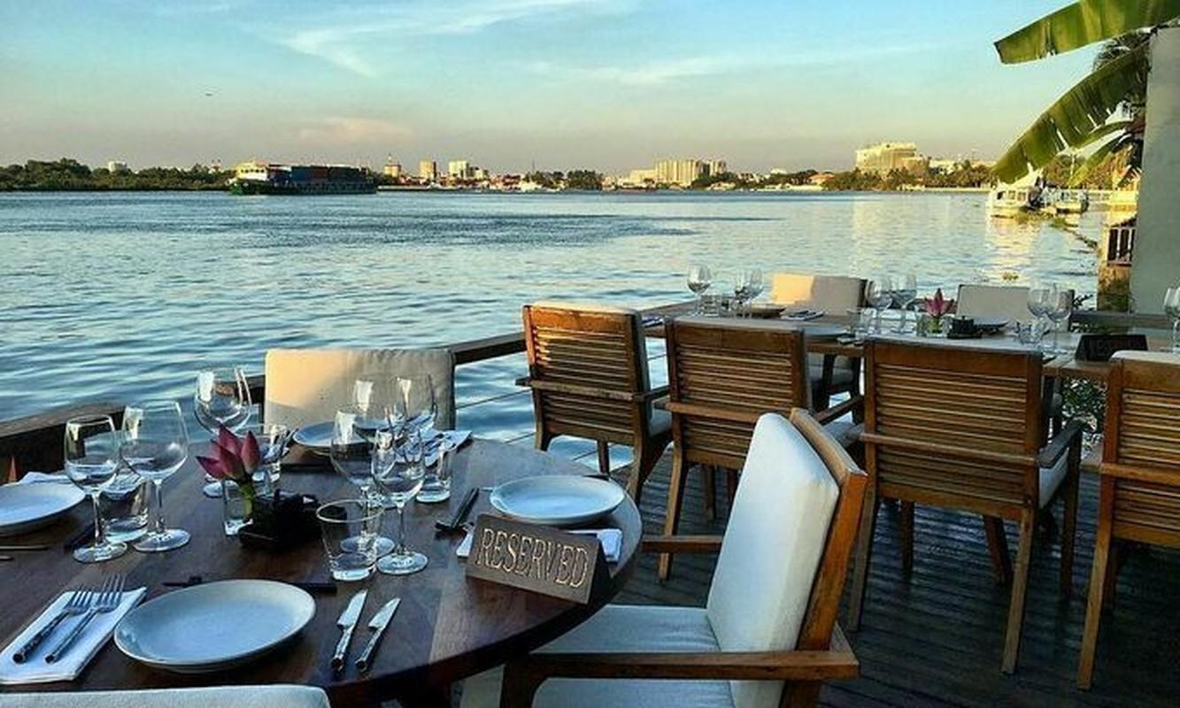 """Quan bar The Deck Saigon vinh danh tot nhat TG co """"menu"""" dat co nao?-Hinh-2"""