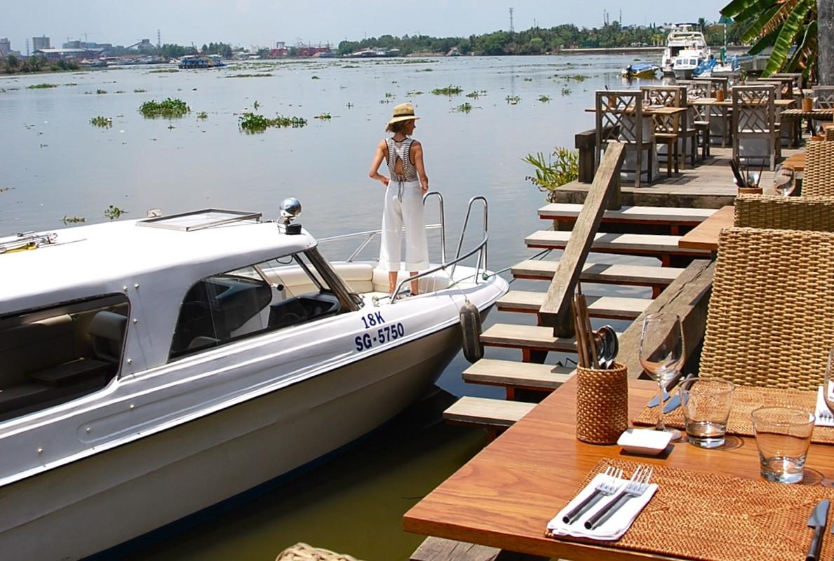 """Quan bar The Deck Saigon vinh danh tot nhat TG co """"menu"""" dat co nao?-Hinh-3"""