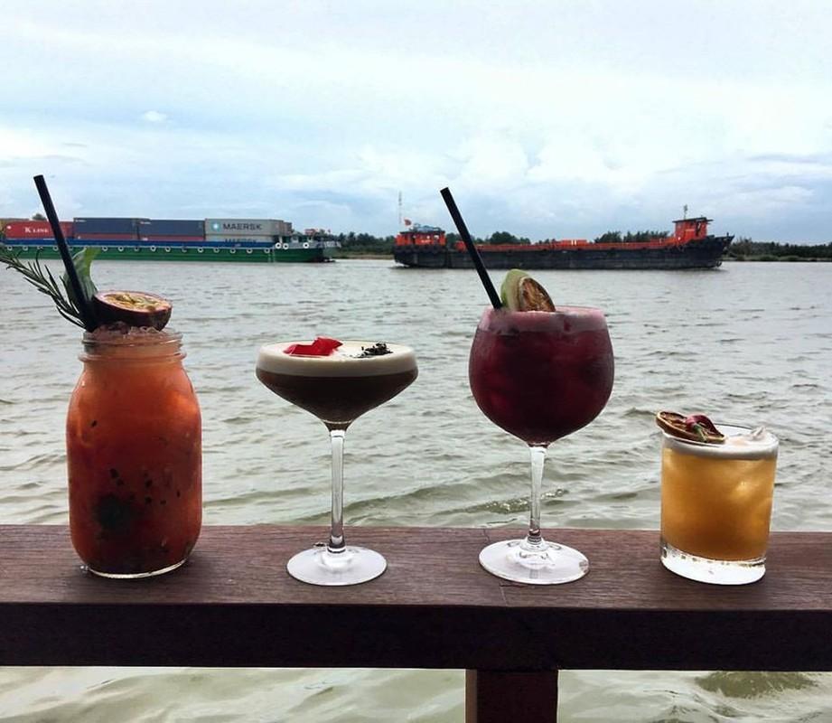 """Quan bar The Deck Saigon vinh danh tot nhat TG co """"menu"""" dat co nao?-Hinh-4"""
