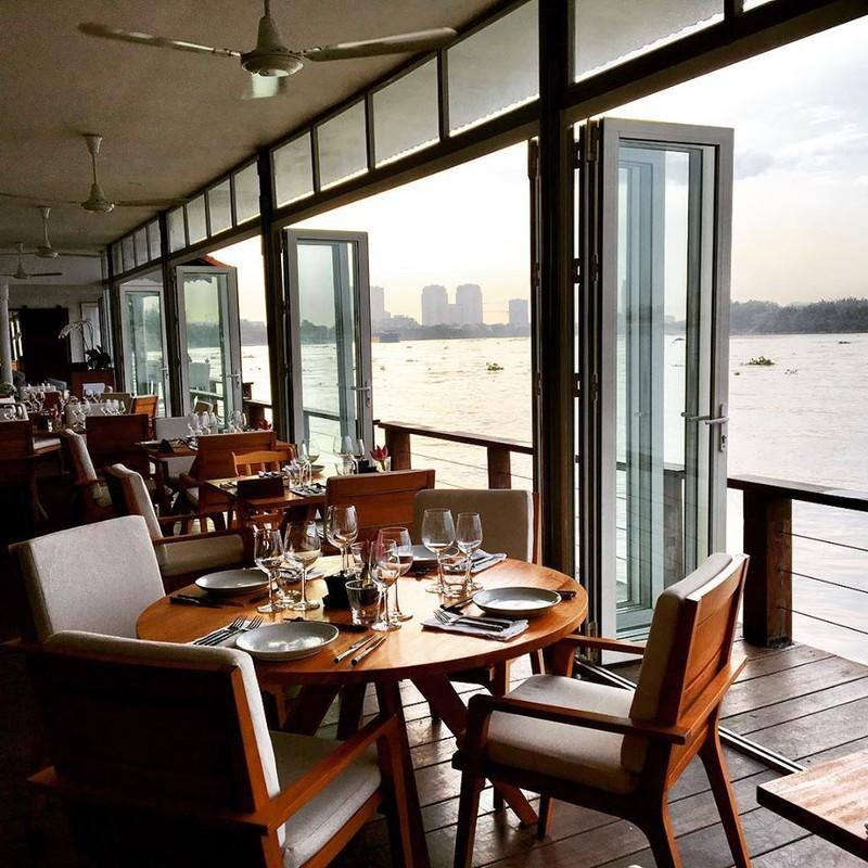 """Quan bar The Deck Saigon vinh danh tot nhat TG co """"menu"""" dat co nao?-Hinh-6"""