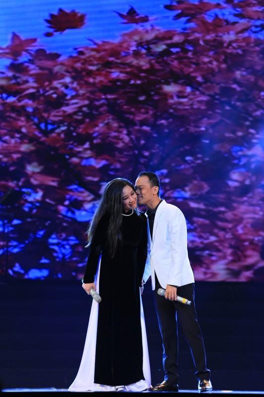 Biet thu nha vuon dep lung linh cua vo chong Thanh Thanh Hien