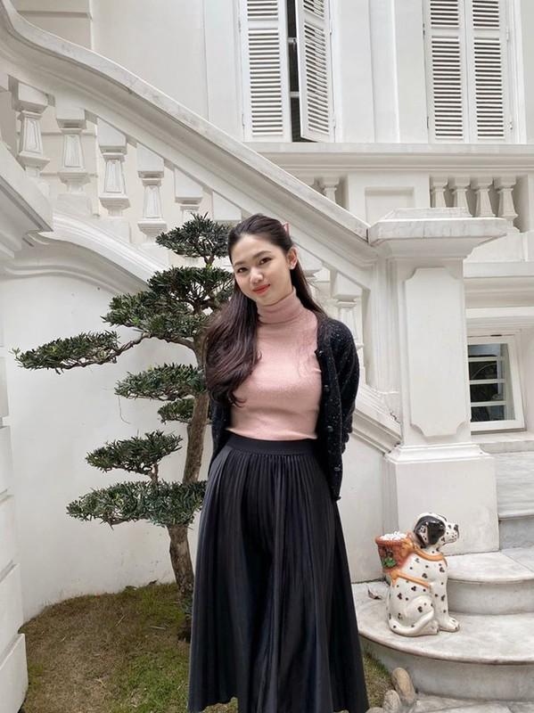 Bo showbiz lay chong giau, 3 A hau song trong biet thu