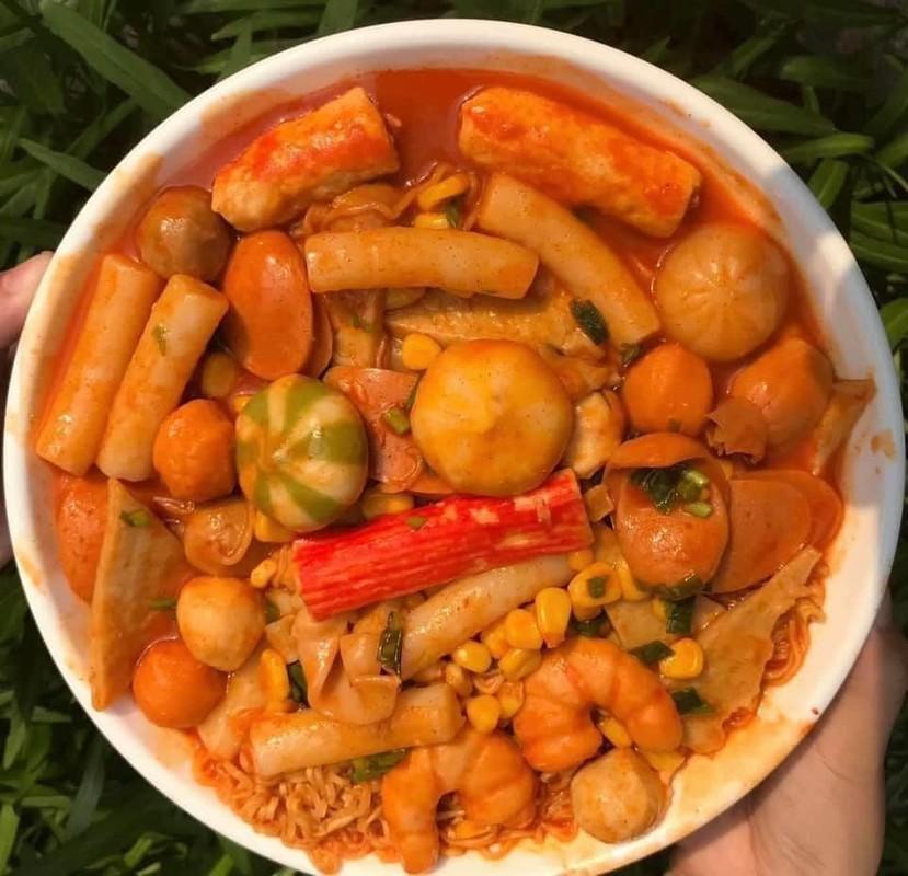 Hai hung su that dang sau set lau tokbokki gia sieu re tran cho mang-Hinh-4