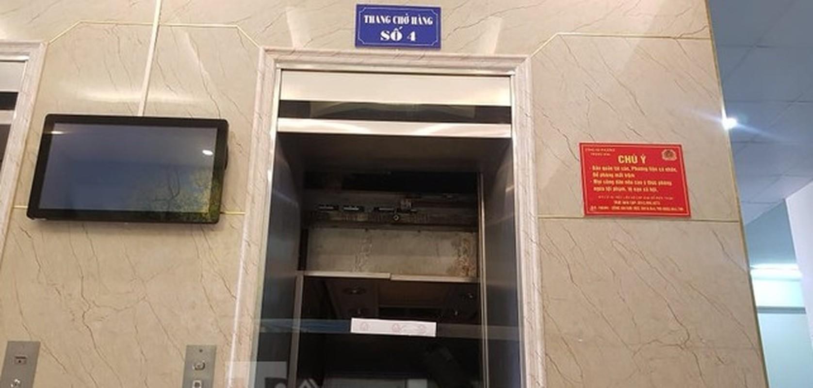 Hien truong vu roi thang may khien nhieu nguoi bi thuong o Ha Noi-Hinh-3