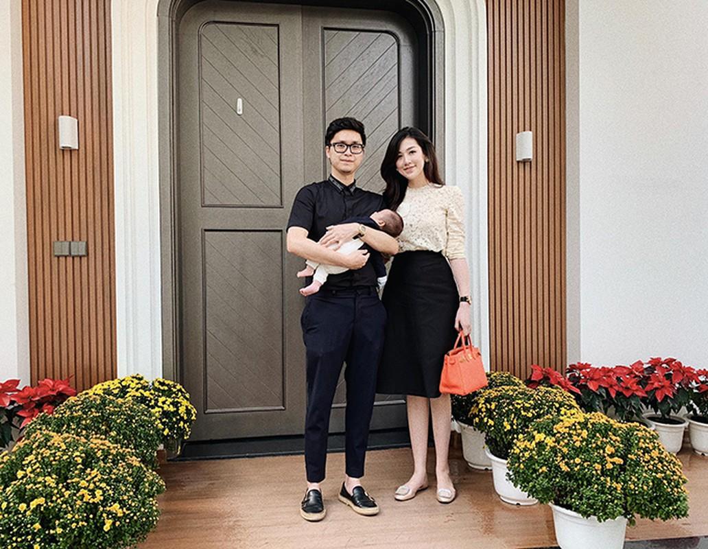 Biet thu ngap tran khong khi Giang sinh cua A hau Tu Anh-Hinh-6