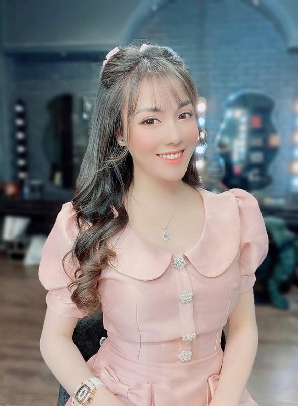 Au Ha My lot top 10 nhan vat duoc nguoi Viet tim kiem nhieu nhat-Hinh-2
