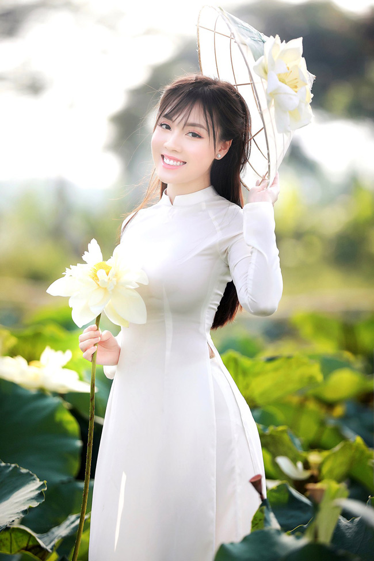 Au Ha My lot top 10 nhan vat duoc nguoi Viet tim kiem nhieu nhat-Hinh-9