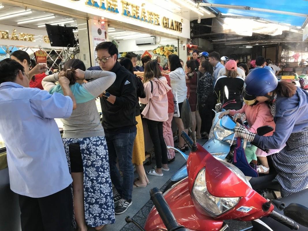 """Ben trong khu cho ban vang """"binh dan"""" doc nhat Sai Gon-Hinh-7"""