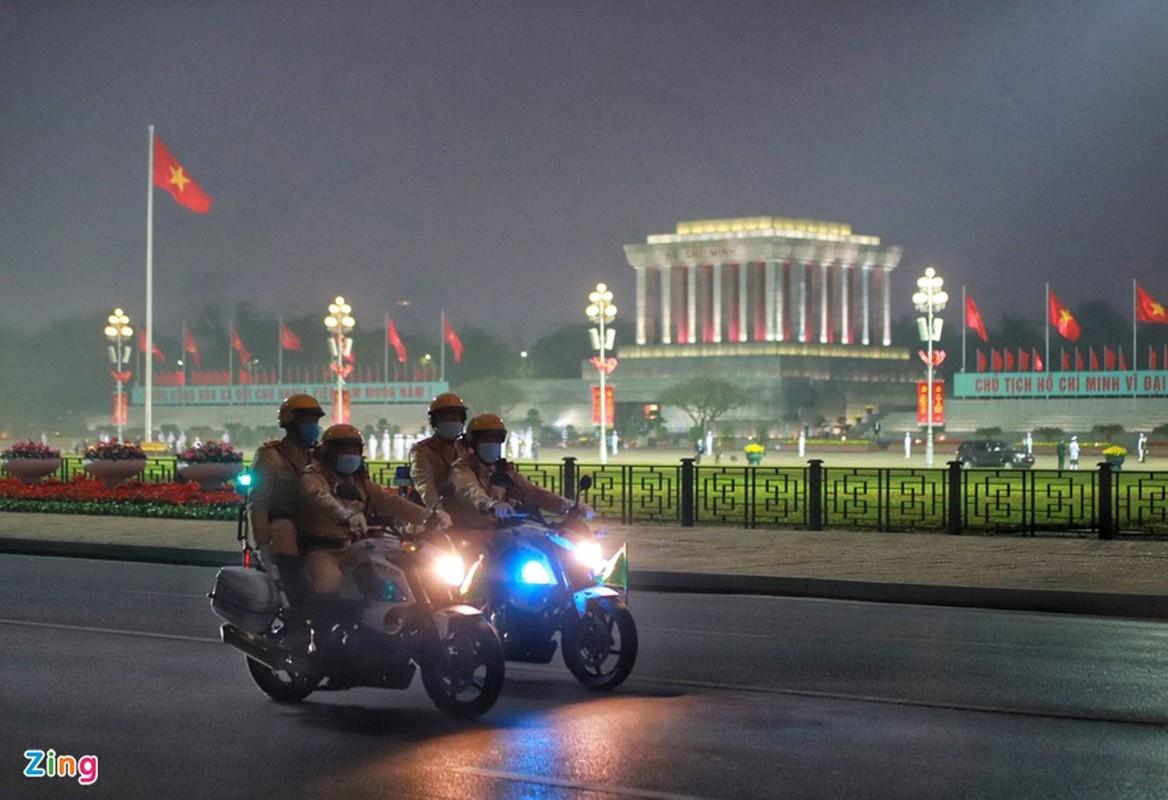 Dai hoi Dang lan thu XIII: Cac dai bieu vieng Chu tich Ho Chi Minh-Hinh-10