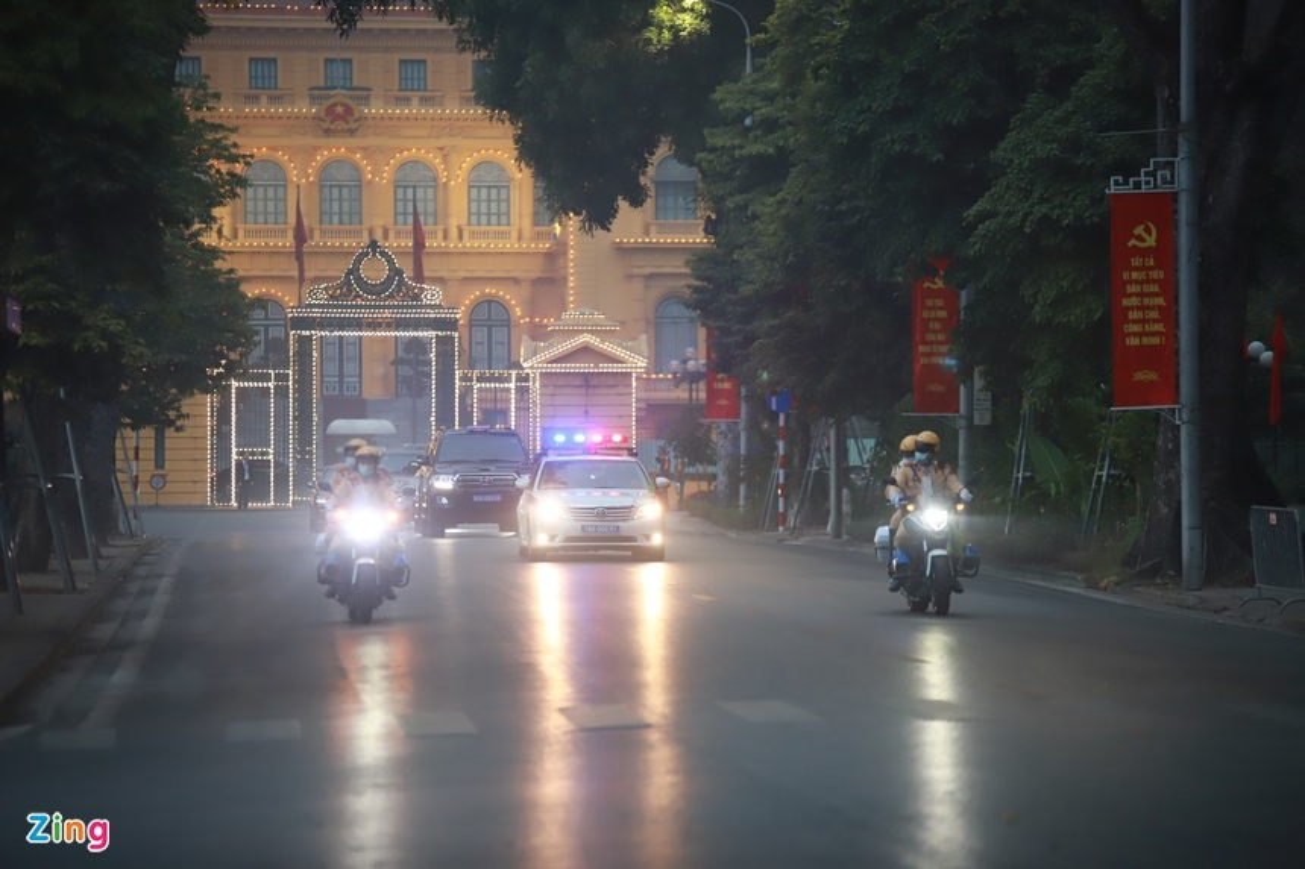 Dai hoi Dang lan thu XIII: Cac dai bieu vieng Chu tich Ho Chi Minh-Hinh-12