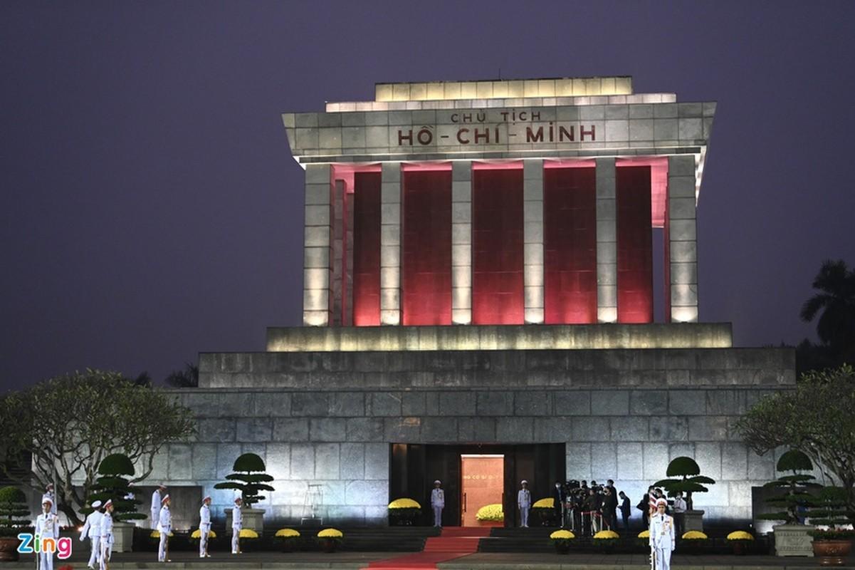 Dai hoi Dang lan thu XIII: Cac dai bieu vieng Chu tich Ho Chi Minh-Hinh-2