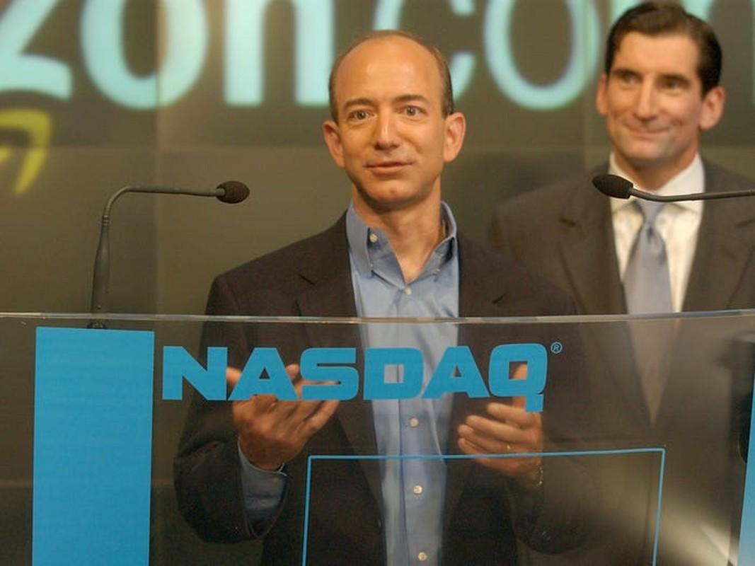 Truoc khi tu chuc CEO, Jeff Bezos xay dung de che Amazon the nao?-Hinh-8