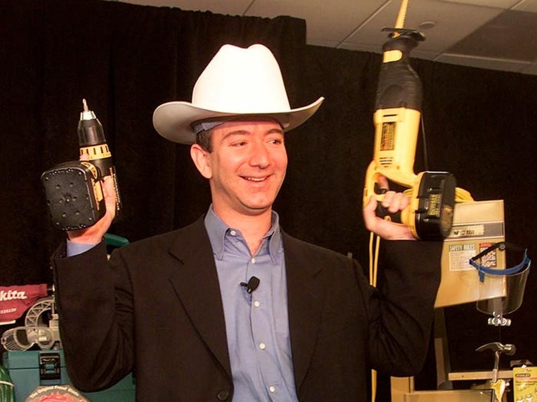 Truoc khi tu chuc CEO, Jeff Bezos xay dung de che Amazon the nao?