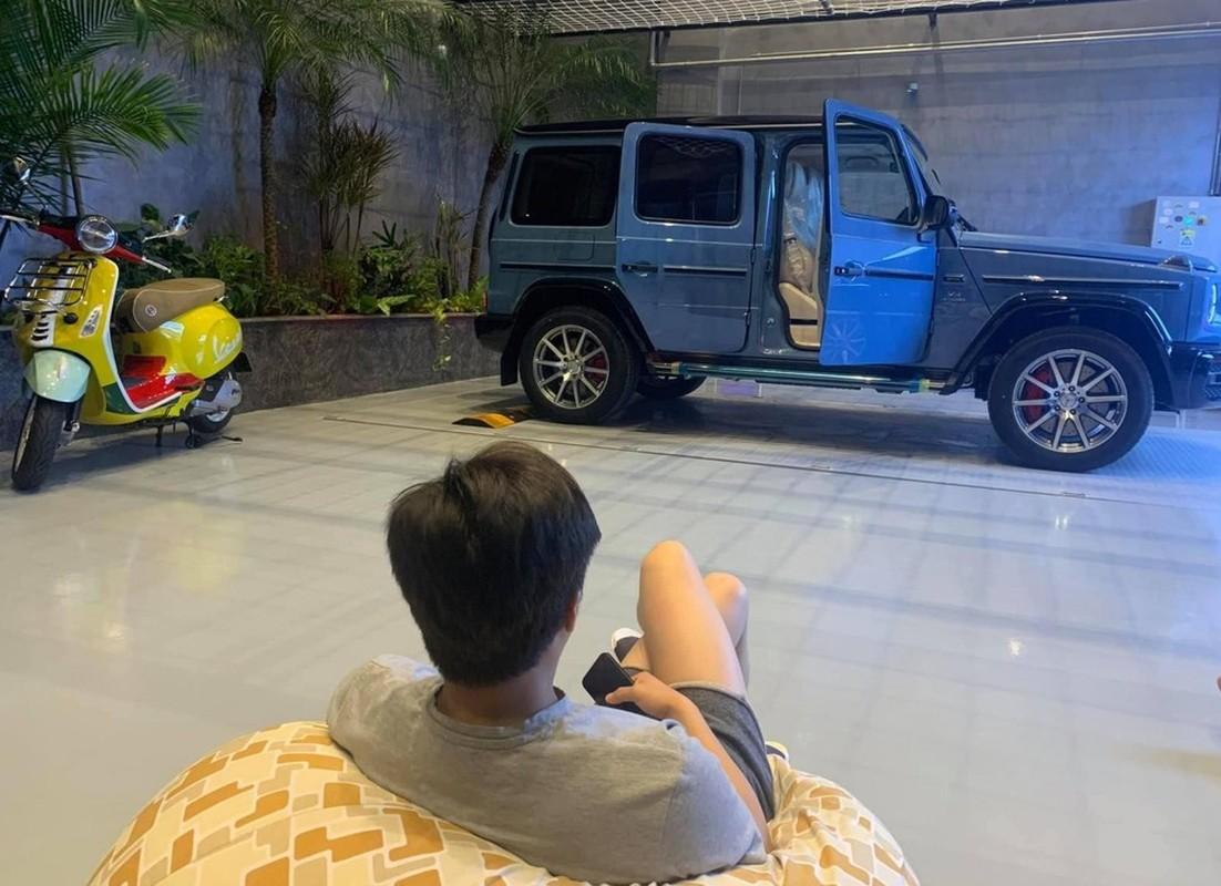 Soi gia loat xe sang vo chong Cuong Do La - Dam Thu Trang tang nhau-Hinh-2