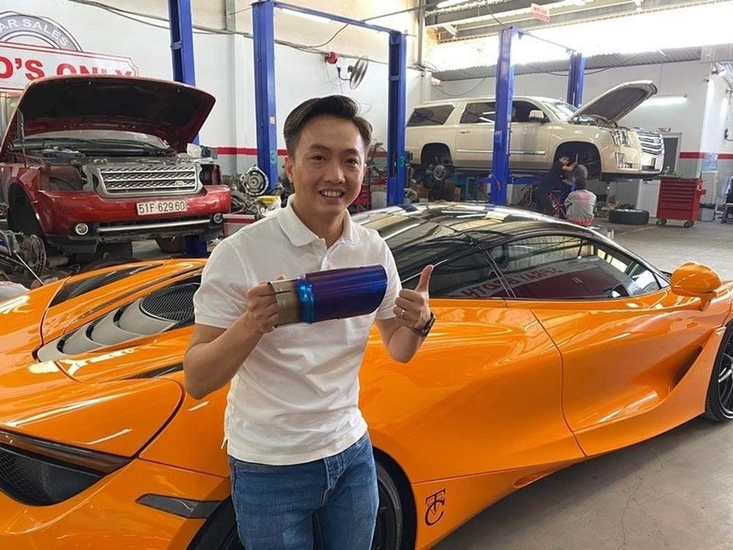 Soi gia loat xe sang vo chong Cuong Do La - Dam Thu Trang tang nhau-Hinh-8
