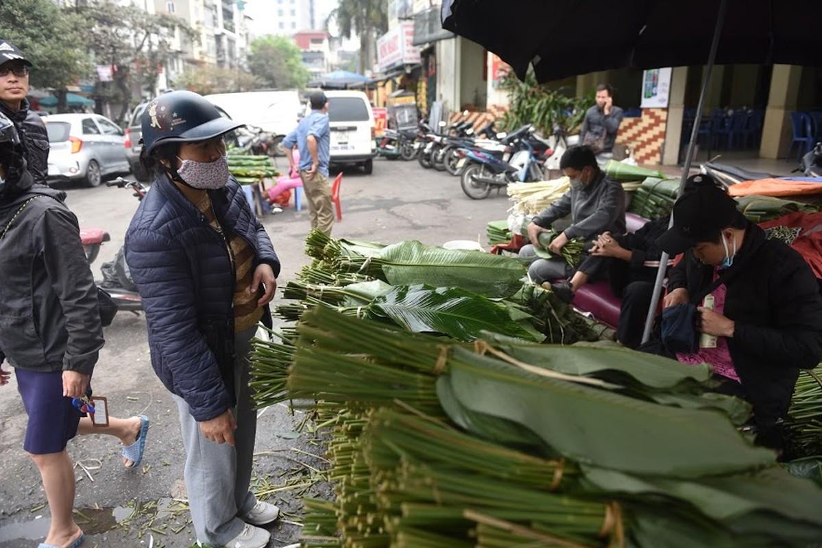 Cho la dong lau doi nhat Ha Noi vang khach ngay giap Tet-Hinh-2