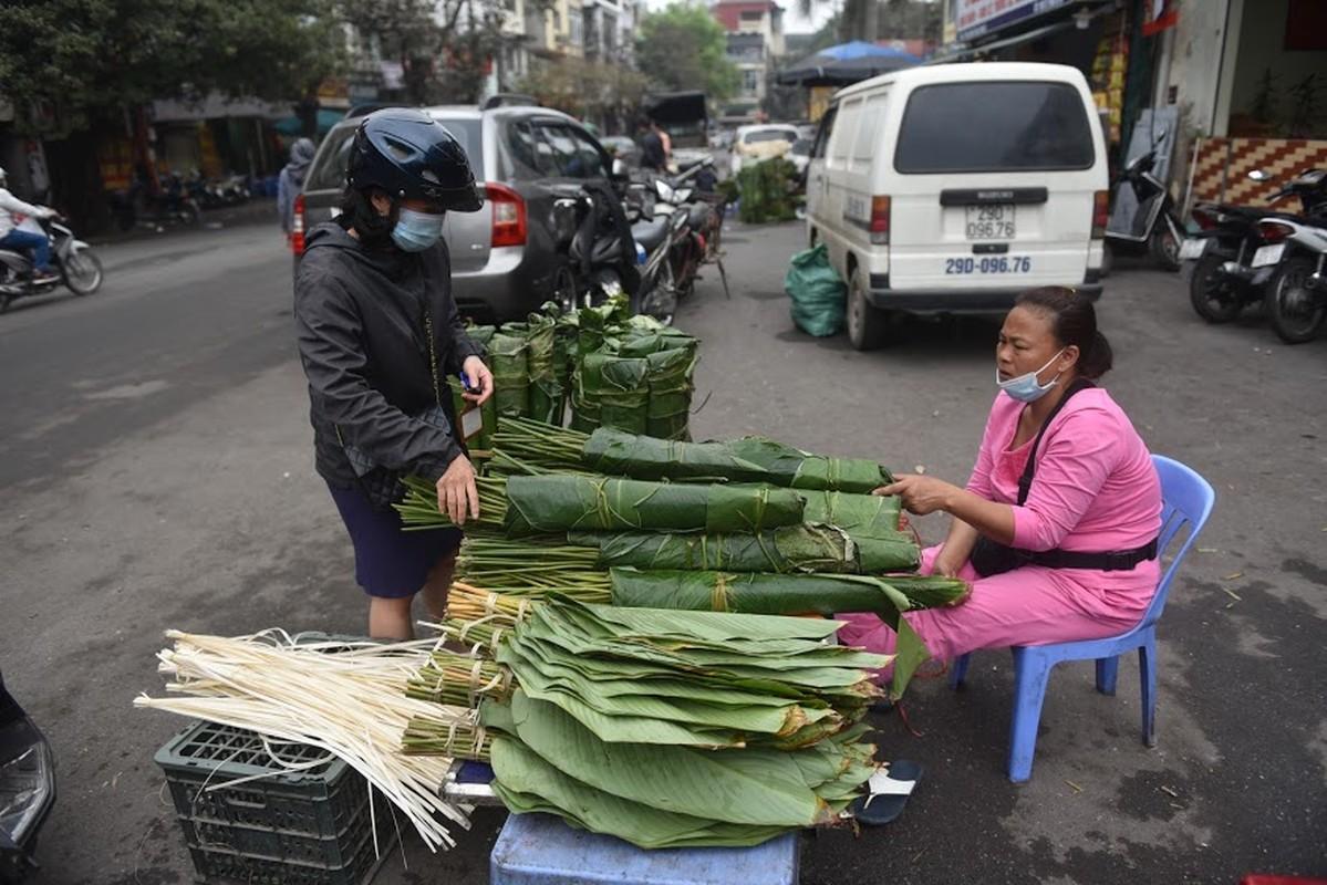 Cho la dong lau doi nhat Ha Noi vang khach ngay giap Tet-Hinh-7