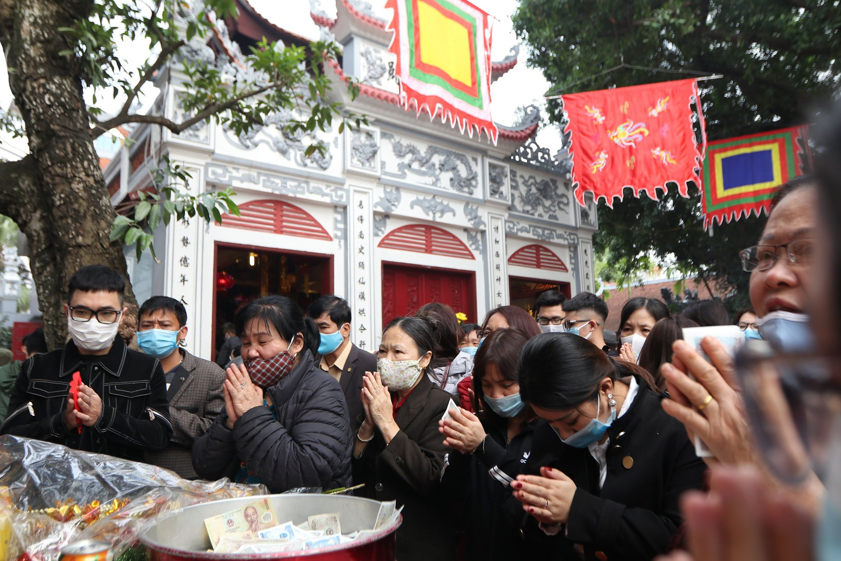 Dong nguoi do ve di le, Phu Tay Ho 3 lan tam dong cua-Hinh-6