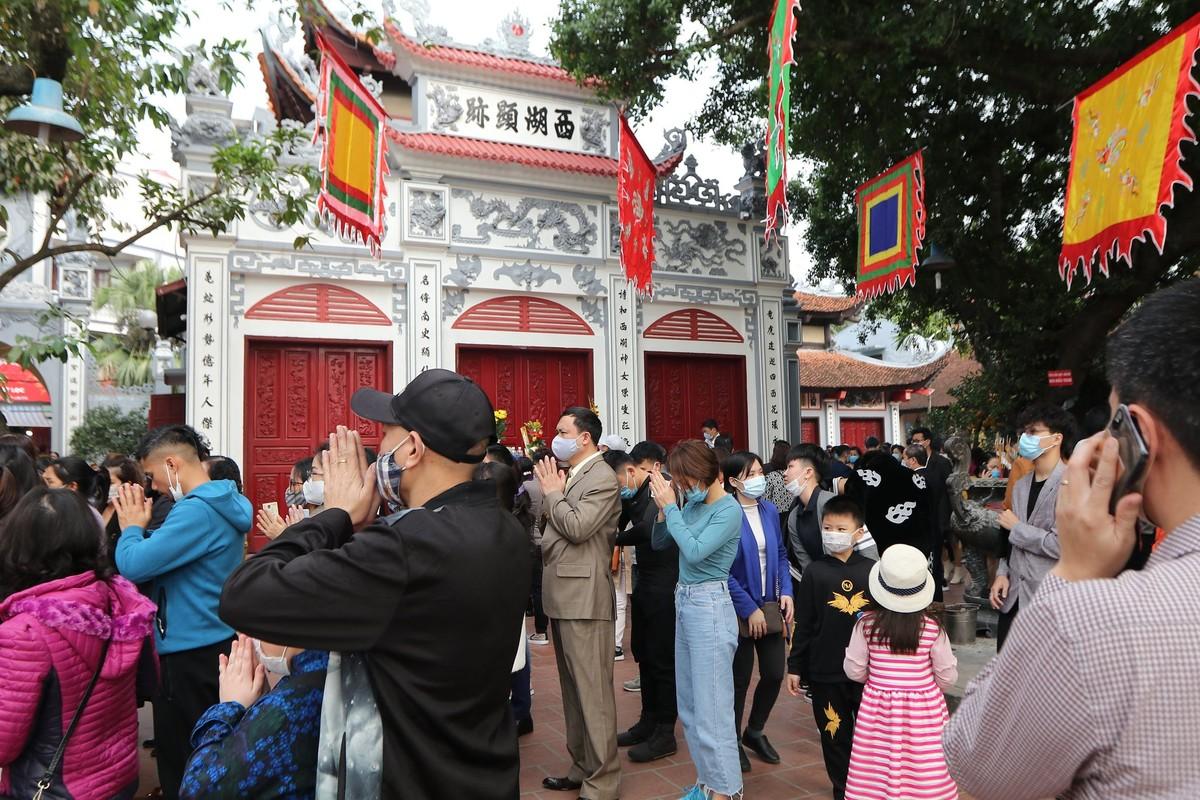Dong nguoi do ve di le, Phu Tay Ho 3 lan tam dong cua-Hinh-8