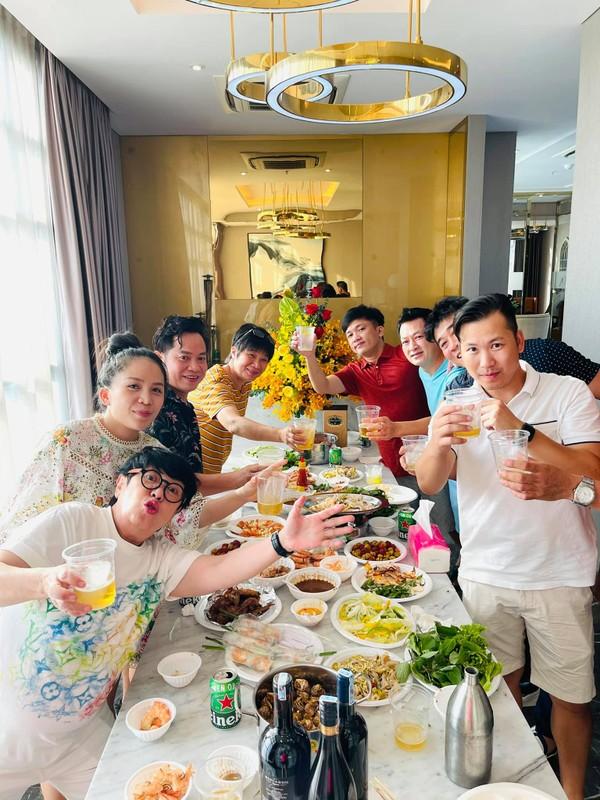 "Can ho cua ""bup be"" Thanh Thao: Thiet ke hien dai, be boi kinh nhu khach san-Hinh-4"