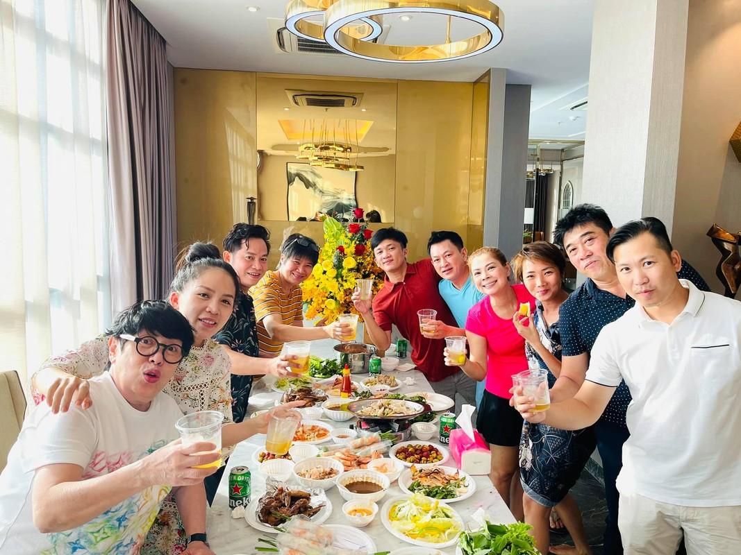 "Can ho cua ""bup be"" Thanh Thao: Thiet ke hien dai, be boi kinh nhu khach san-Hinh-8"