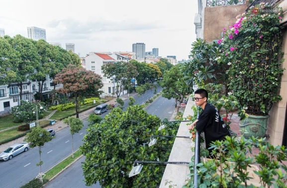 Cuoc song sang chanh cua loat rich kid Viet di sieu xe-Hinh-9