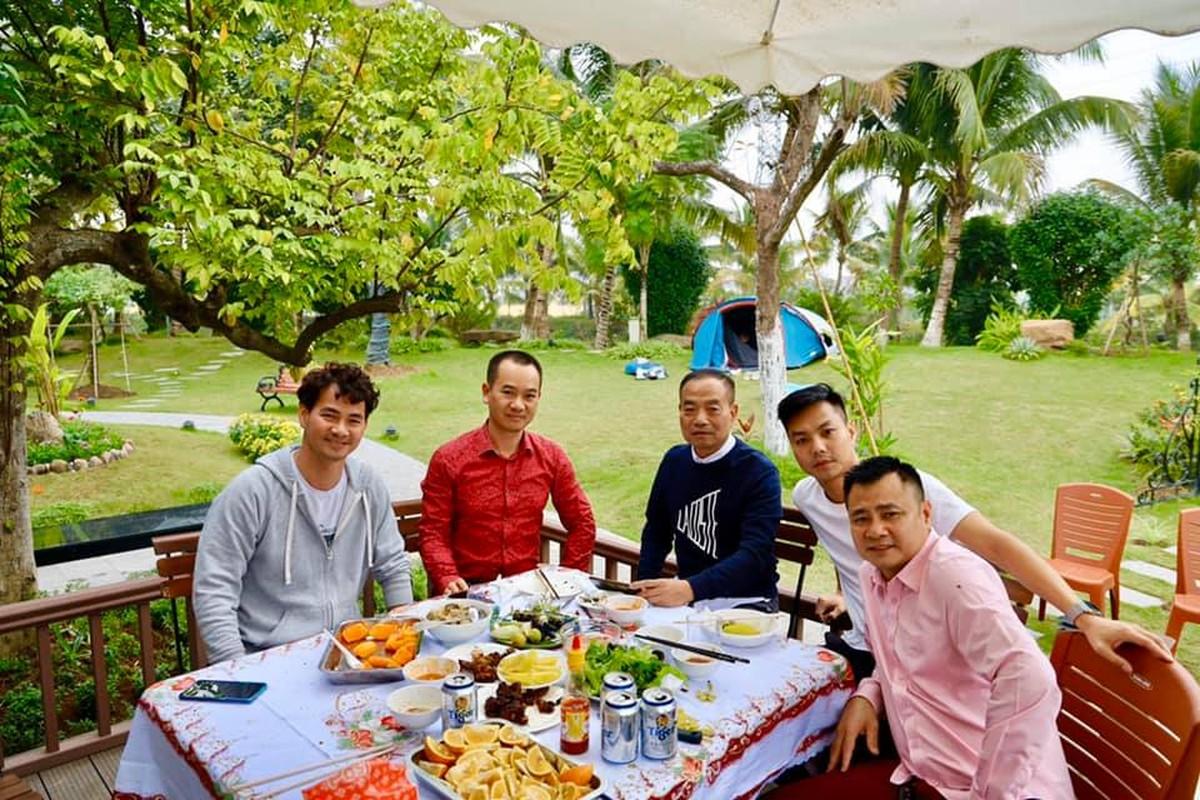 """Choang ngop """"biet phu"""" xa hoa cua nghe si Xuan Bac giua Ha Noi-Hinh-9"""