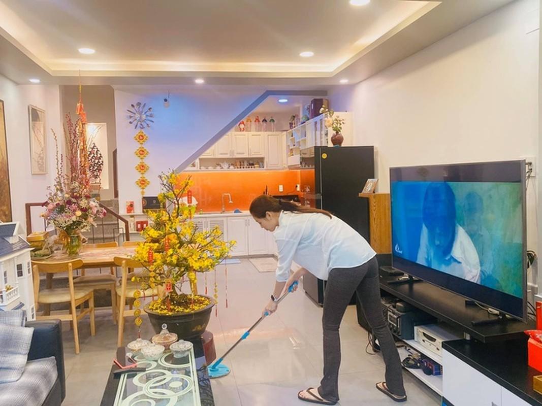 Ben trong can ho cao cap cua Hoa hau Khanh Van-Hinh-10