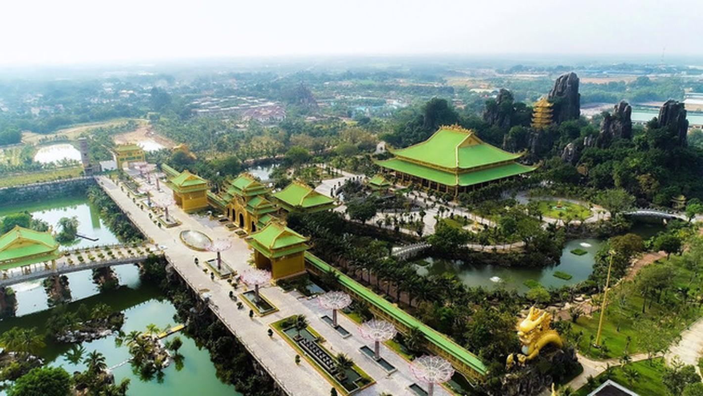 Truong dua ngua 2.300 ty duoc xay sau mot cau ngau hung cua ba Phuong Hang