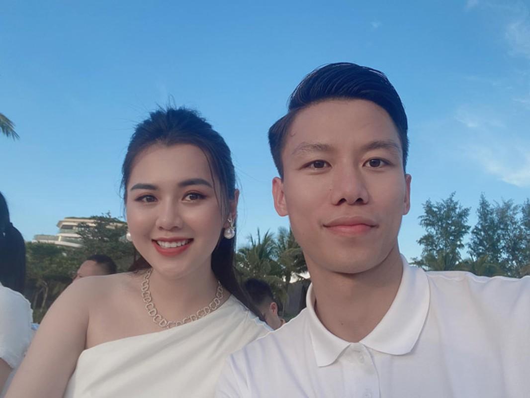 Lay doi truong Que Ngoc Hai, hoa khoi thanh Vinh ngay cang xinh dep-Hinh-2