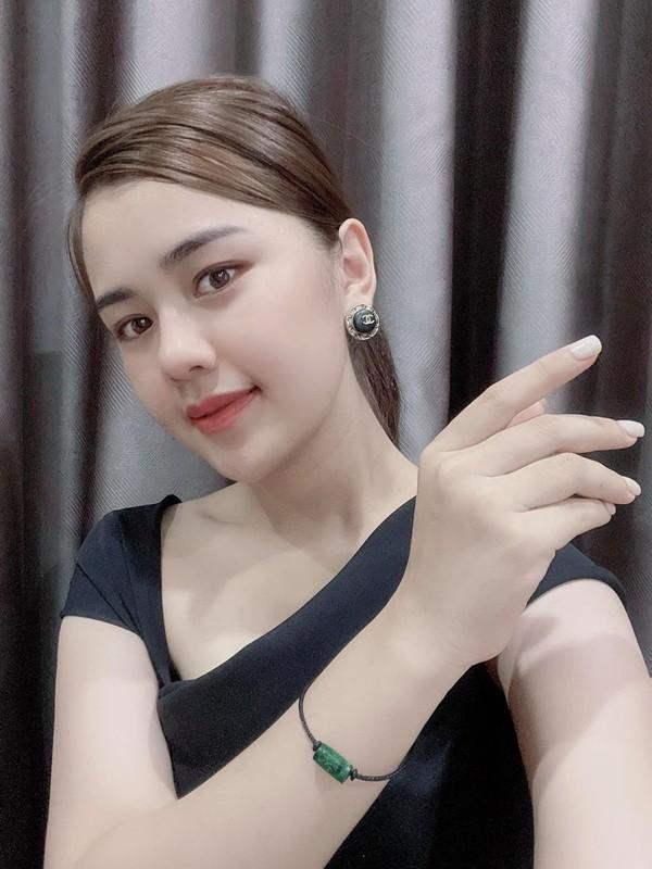 Lay doi truong Que Ngoc Hai, hoa khoi thanh Vinh ngay cang xinh dep-Hinh-3