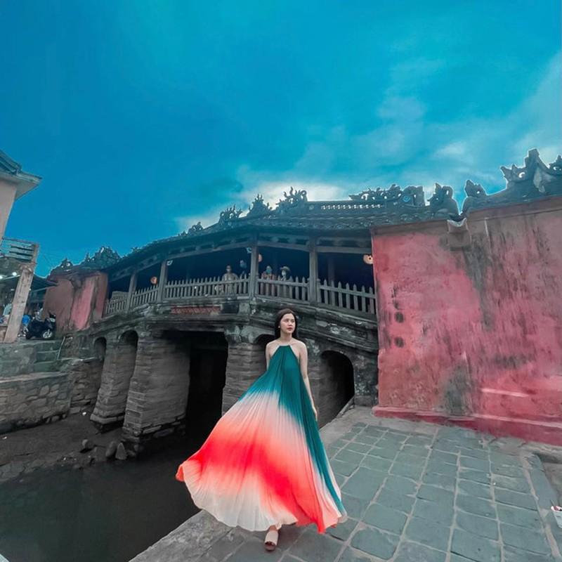 Lay doi truong Que Ngoc Hai, hoa khoi thanh Vinh ngay cang xinh dep-Hinh-5