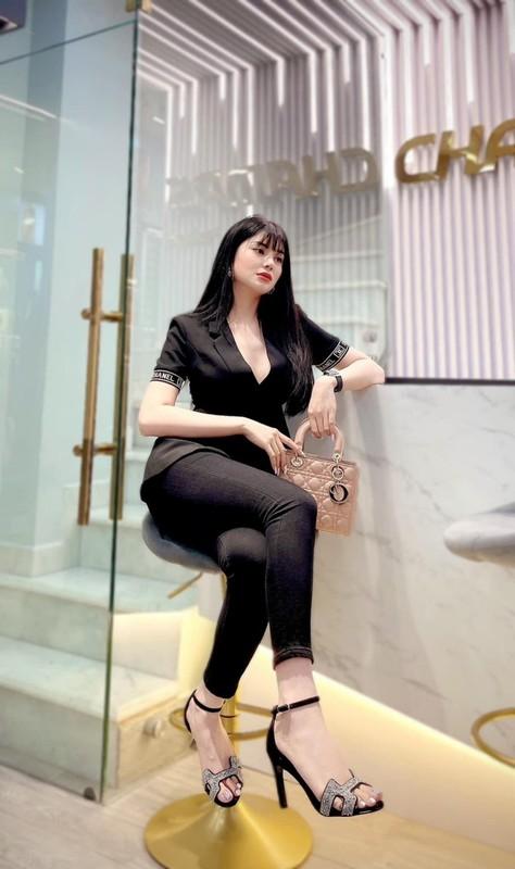 """Loa mat"" kho hang hieu dat gia cua ""Ngoc nu bolero"" Lily Chen-Hinh-11"