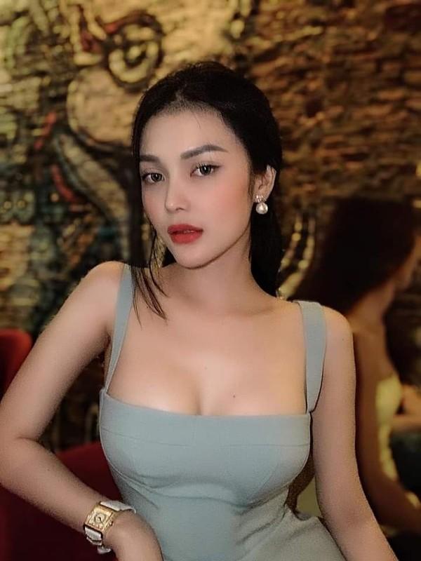 """Loa mat"" kho hang hieu dat gia cua ""Ngoc nu bolero"" Lily Chen-Hinh-2"