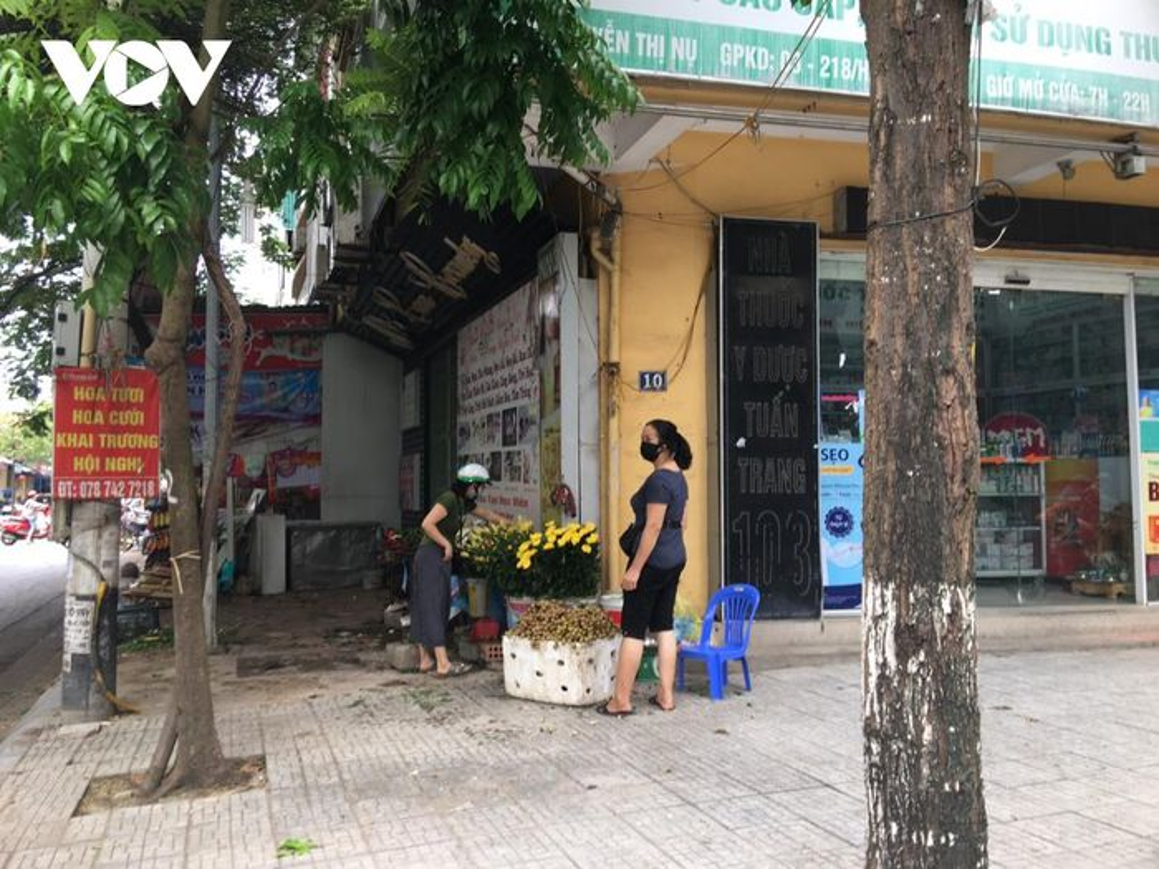 Cho coc hop ngay tren via he o Ha Noi bat chap Chi thi 16-Hinh-10