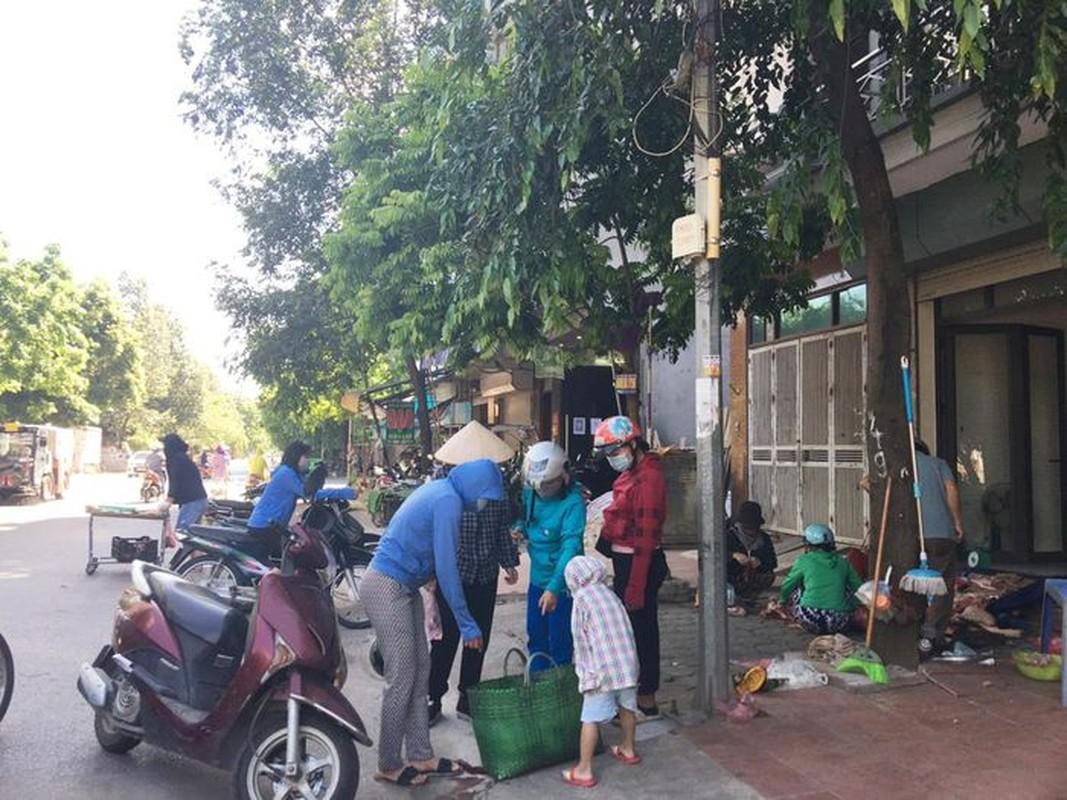 Cho coc hop ngay tren via he o Ha Noi bat chap Chi thi 16-Hinh-9