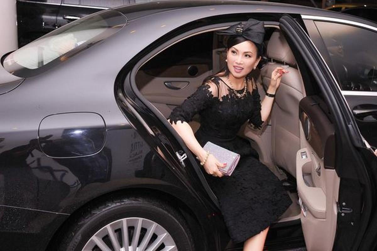 Tang TP HCM hon 100 tan luong thuc, em gai Cam Ly giau co nao?-Hinh-9