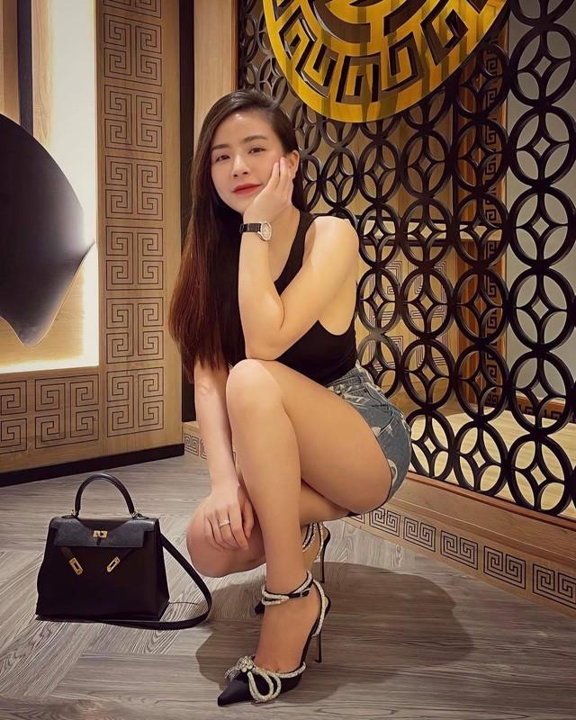 "Thu choi hang hieu cua hotgirl duoc thanh nien Trung Quoc ""xin cuoi""-Hinh-6"