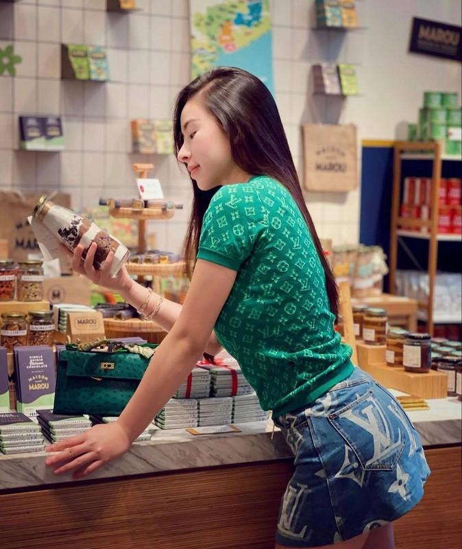 "Thu choi hang hieu cua hotgirl duoc thanh nien Trung Quoc ""xin cuoi""-Hinh-7"