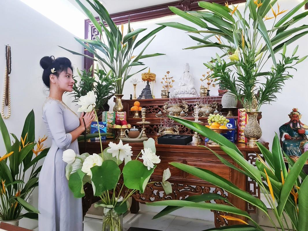 Biet thu bon be ngap hoa cua sieu mau Vu Thu Phuong-Hinh-10
