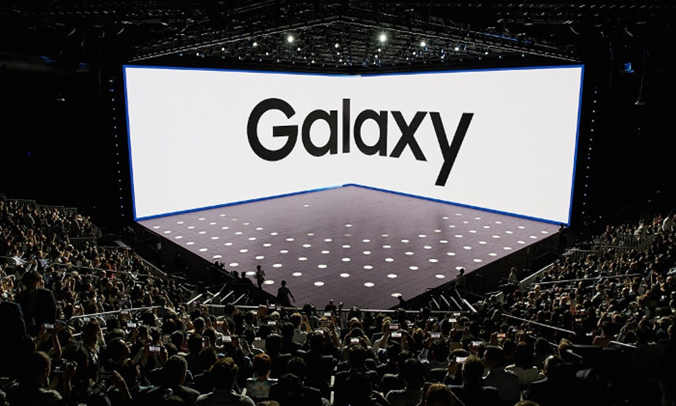 Sau Apple, Samsung cung dang giam gia soc nhieu dien thoai