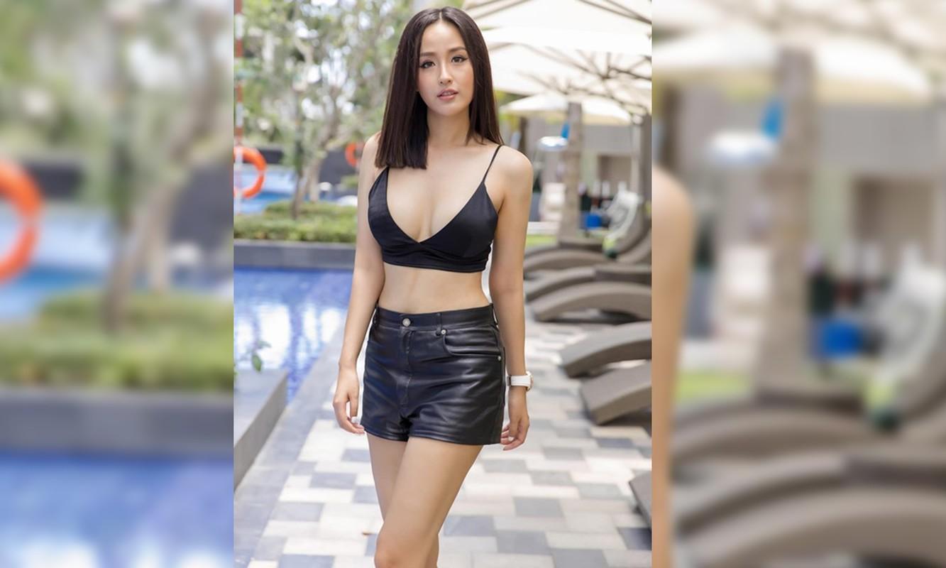 Khoe vong 1 khung, Mai Phuong Thuy cu dien vay xe sau la lai ho henh suyt 'lo hang'-Hinh-3