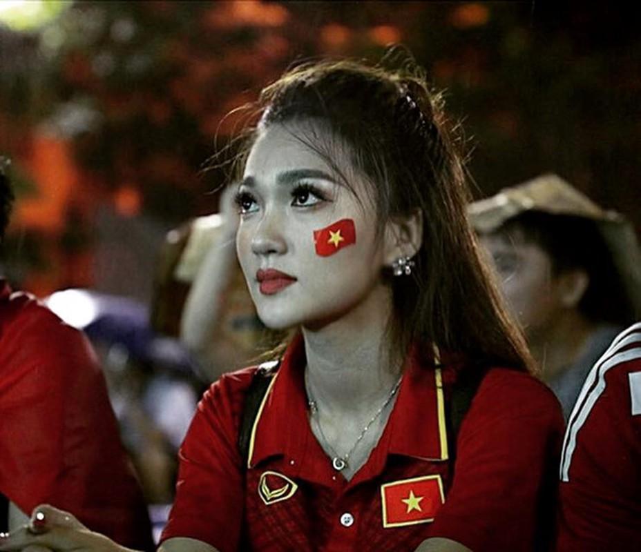 Ban gai cua cac cau thu dong loat gui loi chuc toi Olympic Viet Nam-Hinh-6