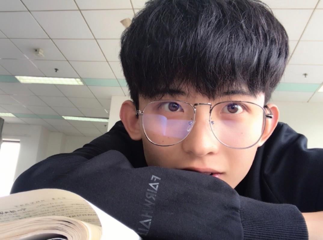 """Hot boy Tik Tok """"chang trai nam ay"""" co gai nao cung muon theo duoi-Hinh-2"""