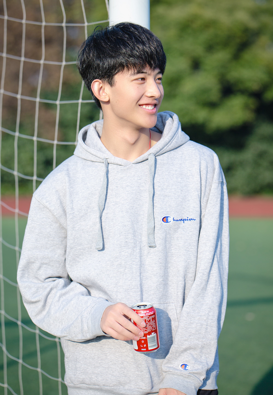 """Hot boy Tik Tok """"chang trai nam ay"""" co gai nao cung muon theo duoi-Hinh-3"""