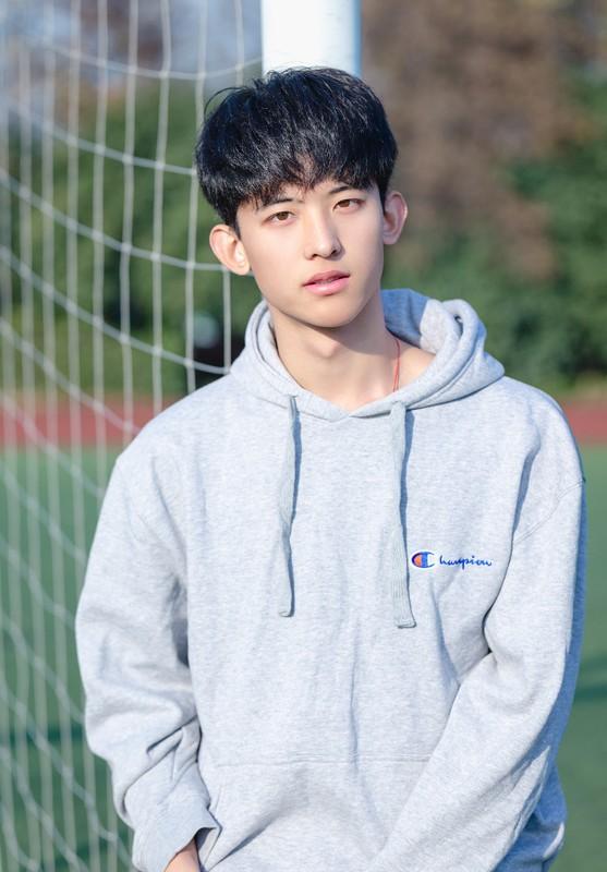 """Hot boy Tik Tok """"chang trai nam ay"""" co gai nao cung muon theo duoi-Hinh-4"""