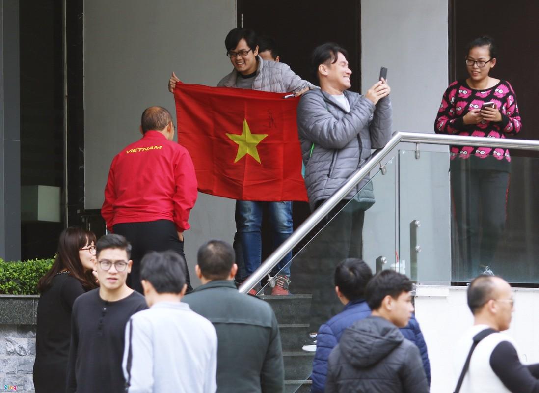 Doi tuyen Viet Nam di bo, tha long truoc tran chung ket AFF Cup-Hinh-8