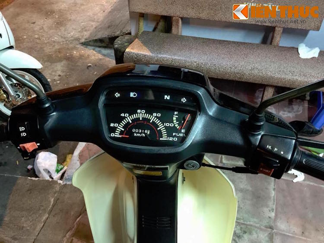 "Honda Dream Thai ""trum men"" gia tram trieu tai Viet Nam-Hinh-5"